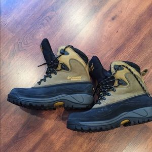 Winter Columbia Euc boots with thinsulate